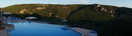 piscine milieu matin